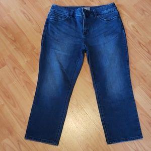 Chico's So Slimming capri jeans